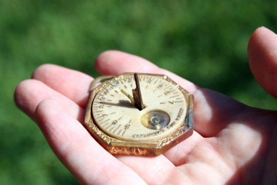 Преносим слънчев часовник